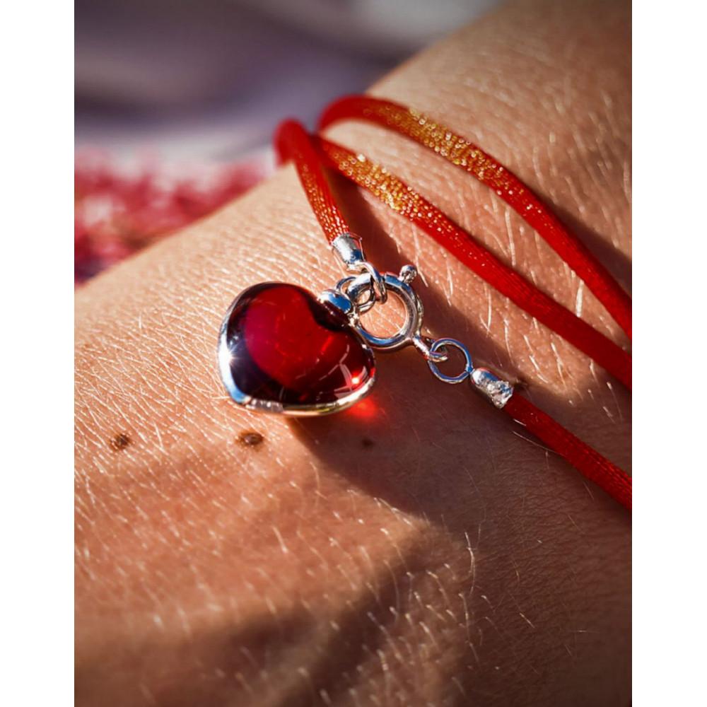 Djai Herz mit Band Ruby rot rhodiniert